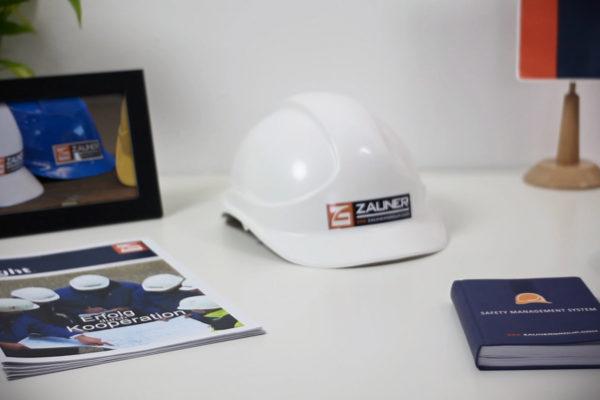 Zauner Anlagentechnik – HSE Film | Anlagenbau Imagefilm Animation Sicherheit Security Safety Helmet